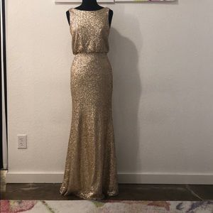 Dresses & Skirts - Gold sequin gown